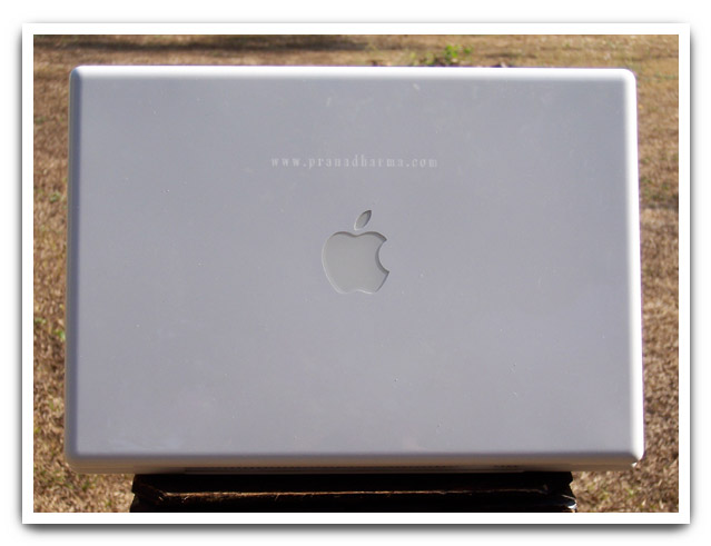 Engraved Macbook (white)